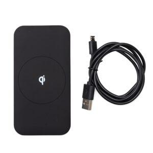 Carregador USB por indução, material plástico de pintura preto fosco. Possui detalhe central na parte superior e verso com informações na parte inferior. Funciona através da tecnologia QI Wireless, basta posicionar a traseira do aparelho sobre a parte superior docarregador para iniciar o carregamento(para este modo é necessário que o tablet ou smartphone tenha a traseira de vidro e tecnologia QI). Entrada DC5V/1.5A, 9V/1.67A; Saída DC5V/1A, 9V/1.12A. Acompanha cabo USB. Tamanho total aproximado (CxL): 12,6 cm x 6,5 cm x 0,7 cm – Cabo 100 cm, Peso aproximado(g): 73